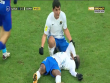 Futbolçu meydanda huşunu itirdi