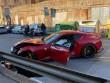 İşçi futbolçunun 100 minlik Ferrarisində qəza törətdi