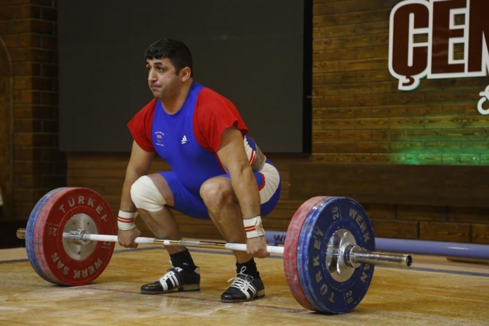 Ustad ağırlıqqaldıranlarımız dünya çempionatında 4 medal qazanıblar