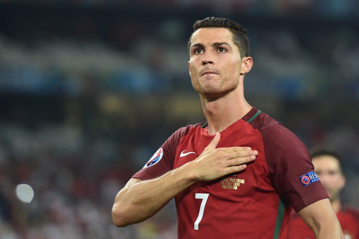 Ronaldodan dünya rekorduna doğru daha bir addım