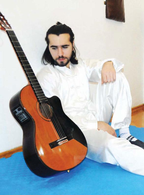 «Bir gün anama dedim ki, mənə gitara al»