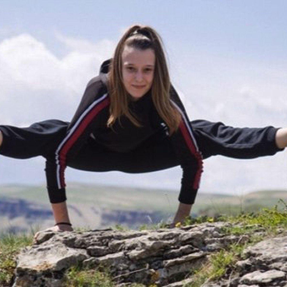 Tanınmış gimnast yarışda ciddi zədə alıb - VİDEO